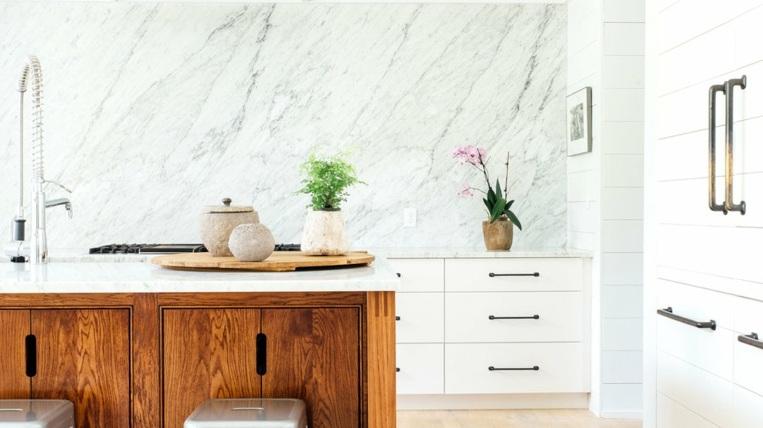 Panel de mármol contra salpicaduras para la cocina - ideas de diseño -