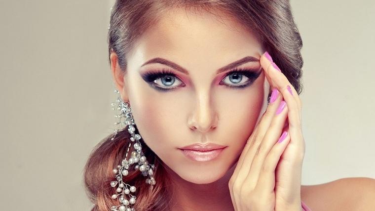 maquillaje-elegante-noche-vieja