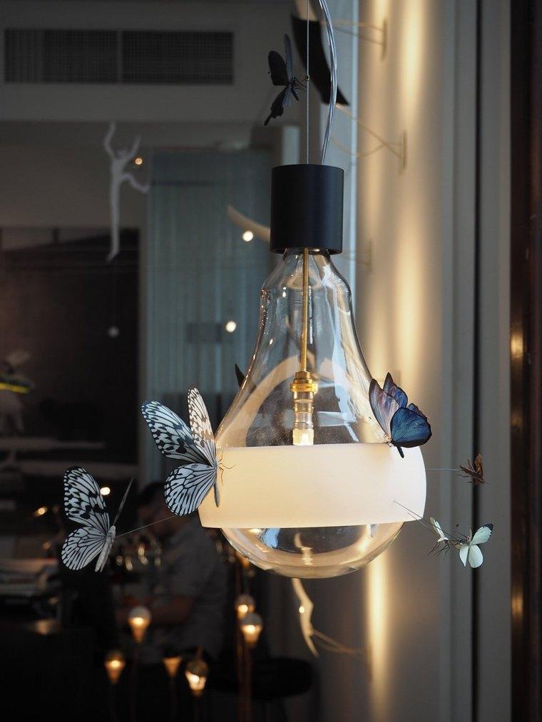 mariposas-pegadas-bulbo-lampara