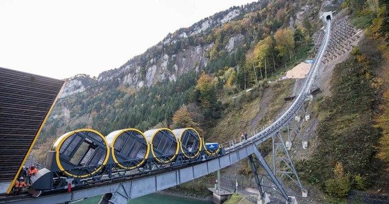 nueva-tecnologia-funicular-en-Stoos