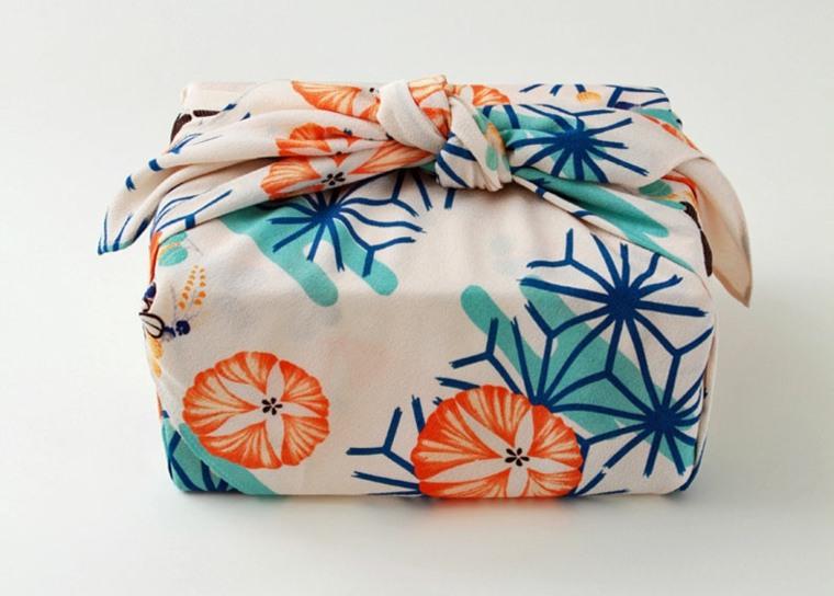 pañuelo-como-envoltorio-de-regalo