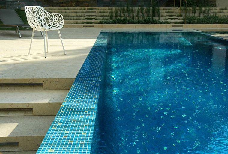piscina-elevada-superficie-patio