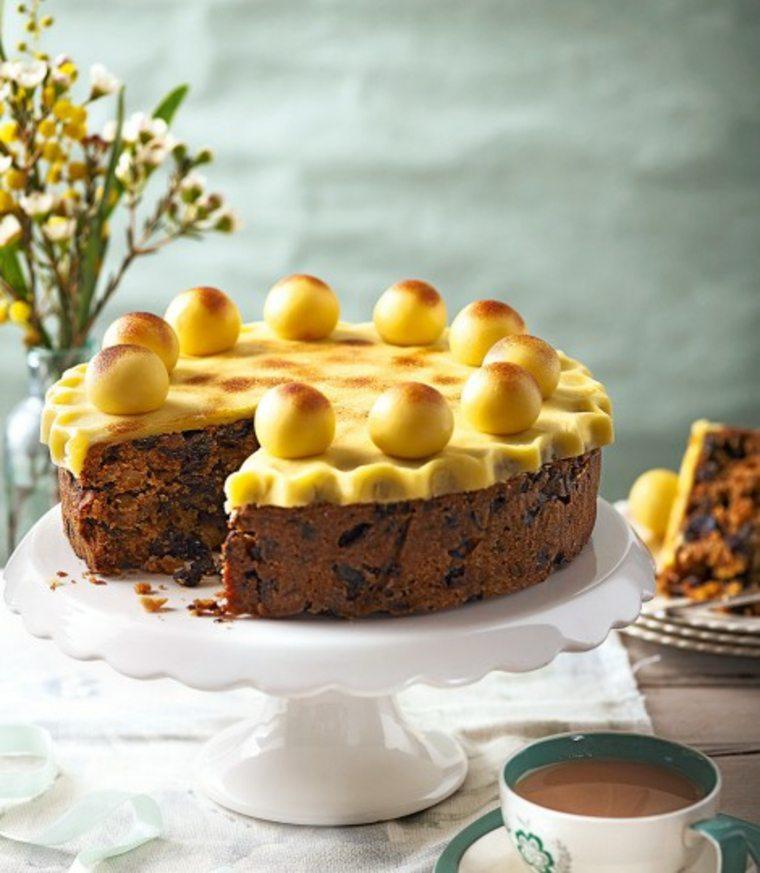 bonita tarta Simnel para pascua