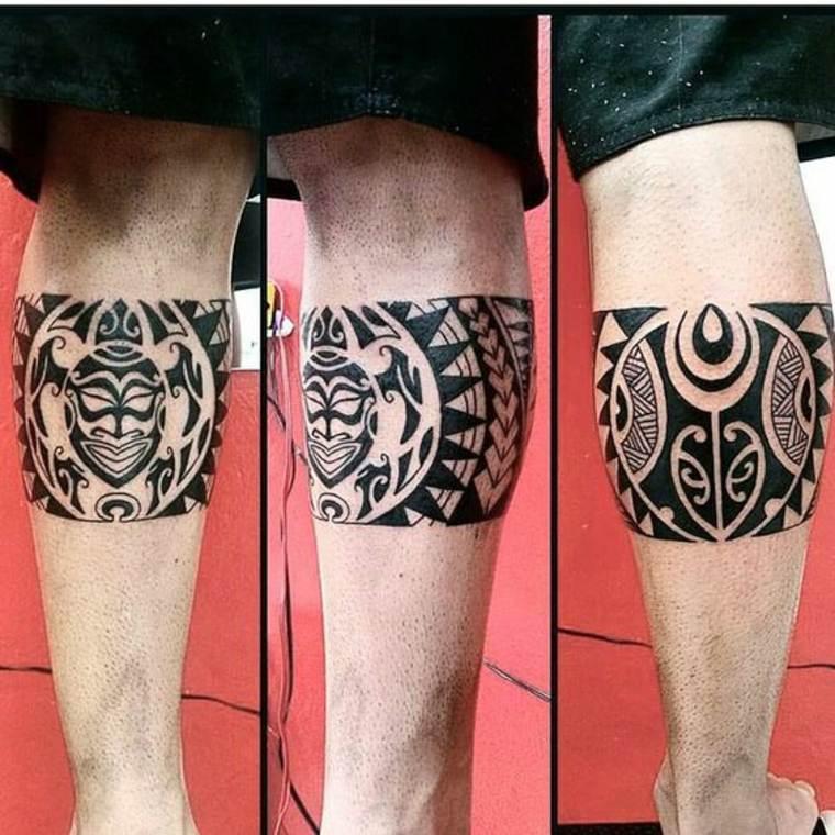 tatuaje maorí tobillo