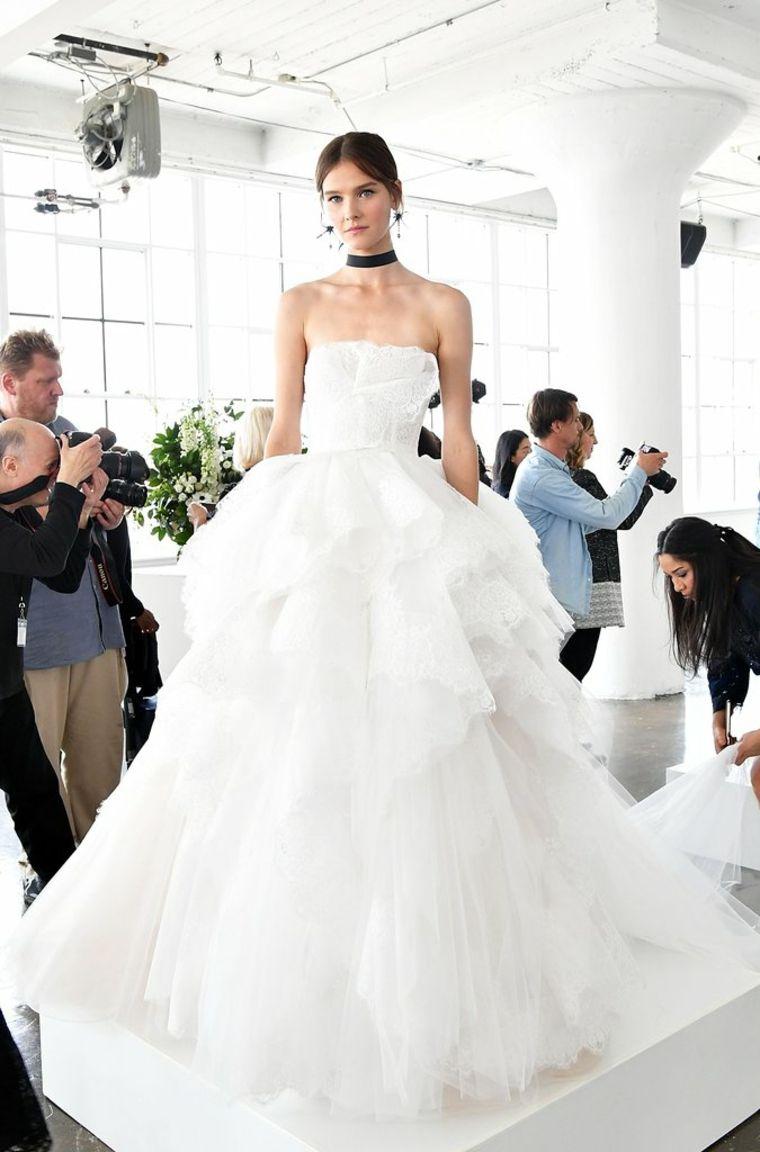 Marchesa-vestido-primavera-2018-boda-novia-volantes