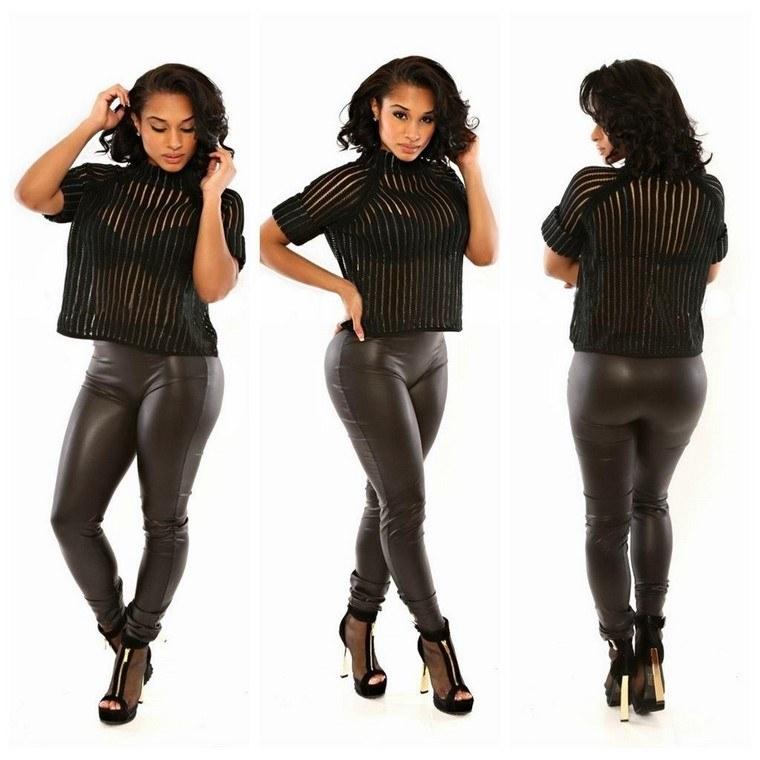 blusa-transparencias-pantalon-cuero