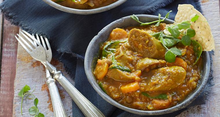 Curry de lentejas picante sin carne con salchicha
