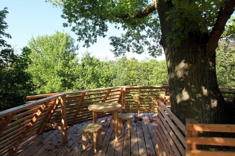 Casa árbol Que Proporciona La Comodidad De Una Habitación De