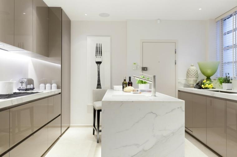 cocina-moderna-isla-marmol-estilo
