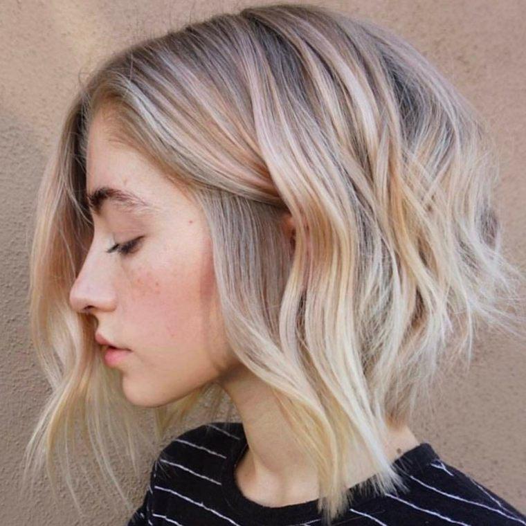 como cortar el pelo en capas-corto-volumen