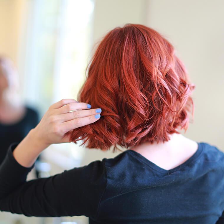 como cortar el pelo en capas-corto