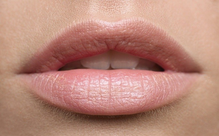 como-pintarse-los-labios-balsamo