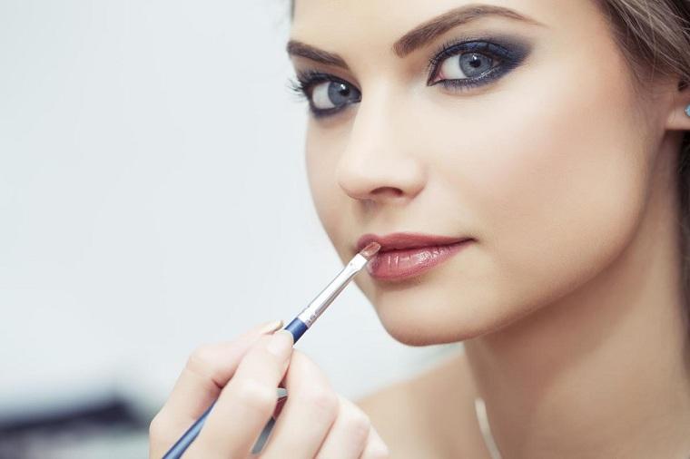cómo pintarse los labios-brocha-angular