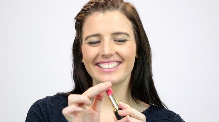 cómo pintarse los labios-dedos