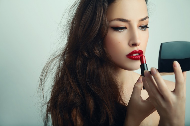como-pintarse-los-labios-pintalabios