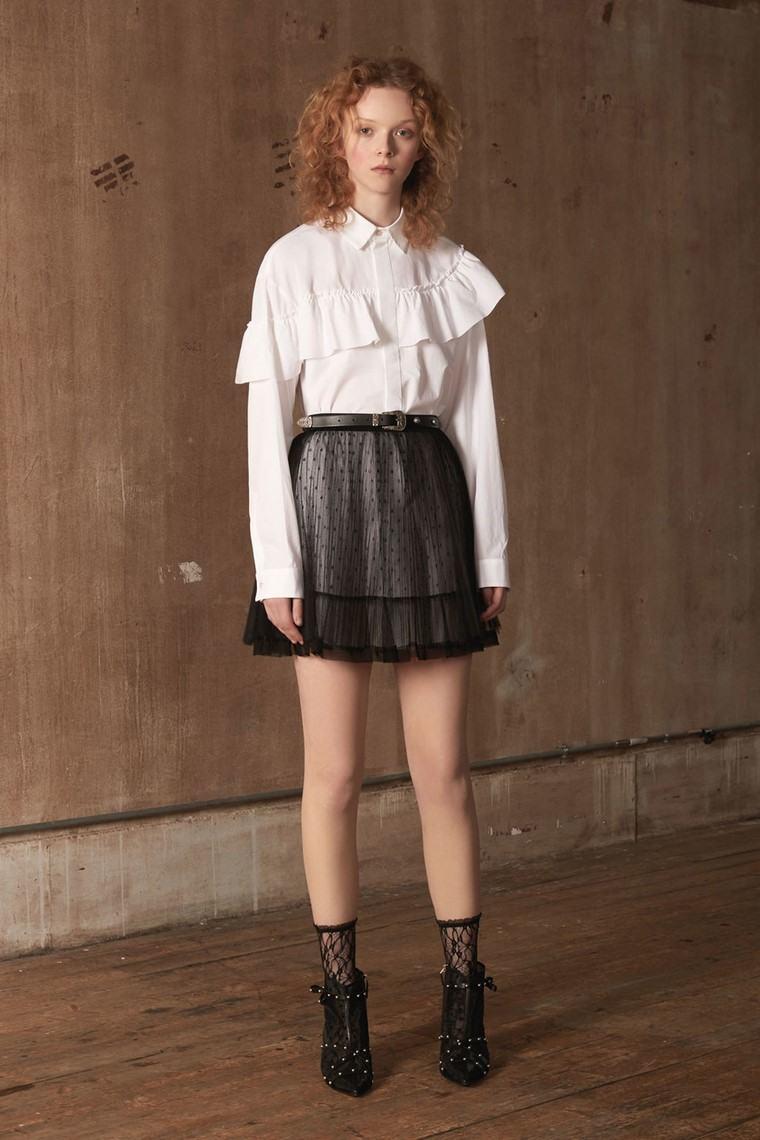 como-vestir-bien-club-falda-corta