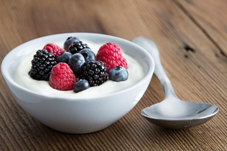 desayunos-saludables-opciones-adelgazar-comida-yogurt