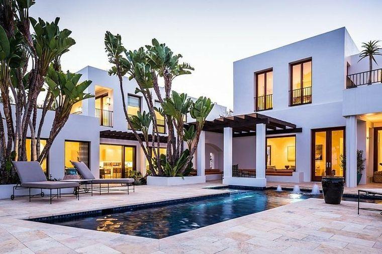 diseño-de-jardines-pequeños-con-piscina-casa-bella