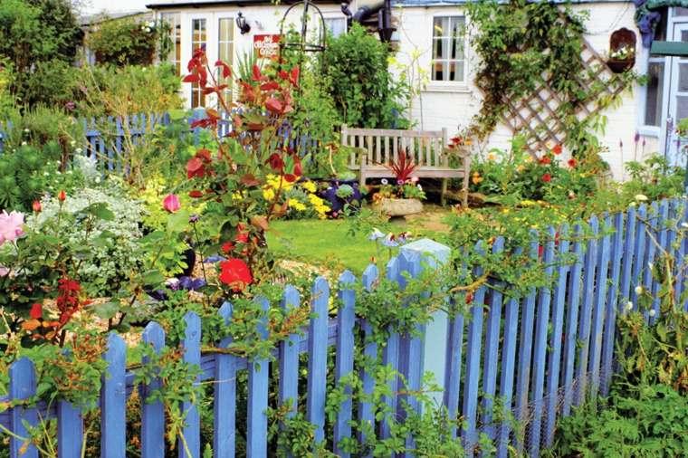 diseño de jardines rústicos  valla-azul
