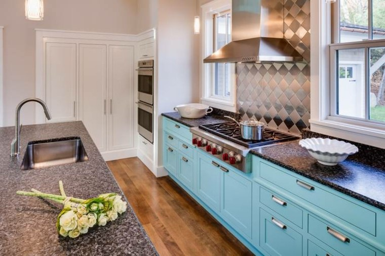 encimeras de cocina-piedra-muebles-azules