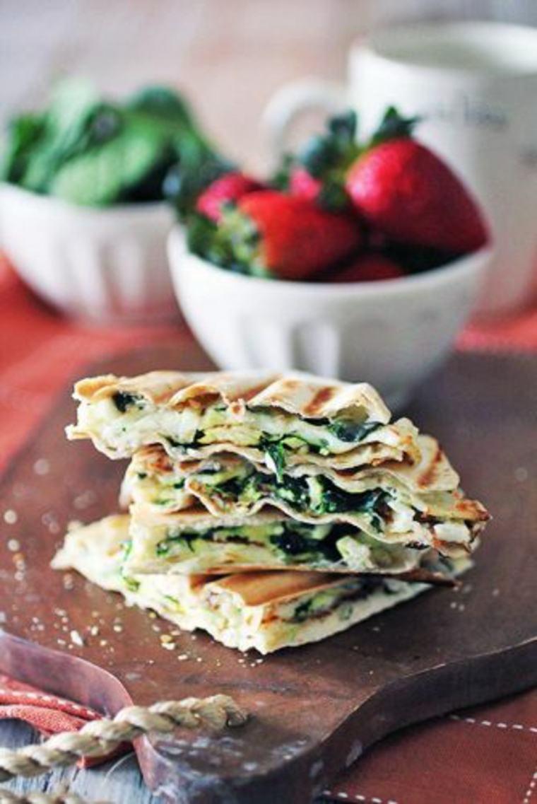 Tortillas de espinacas, feta y huevo
