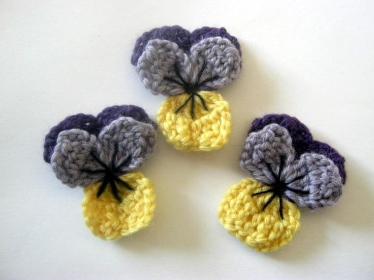 decoración con flores de ganchillo
