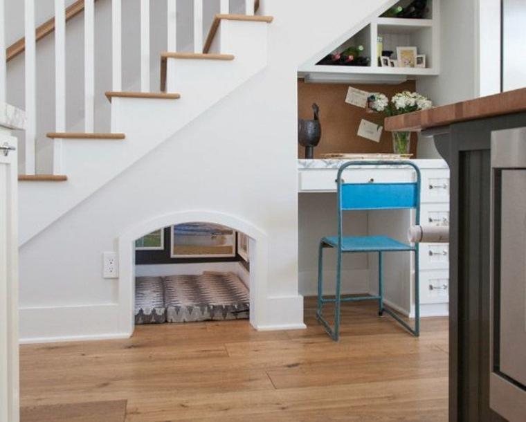 maneras de usar el hueco bajo las escaleras
