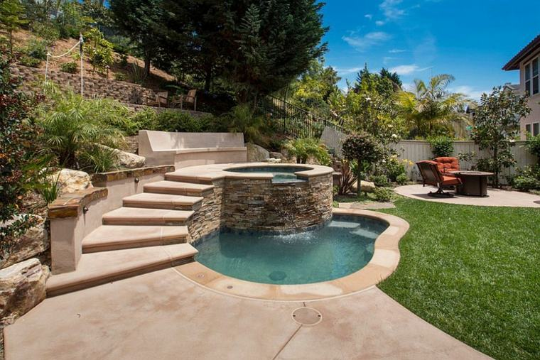 jardin-pequeno-jacuzzi-piscina-ideas
