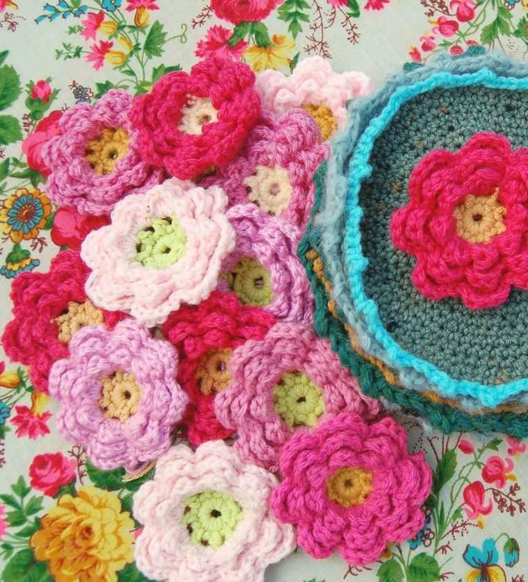 Flores de ganchillo de colores