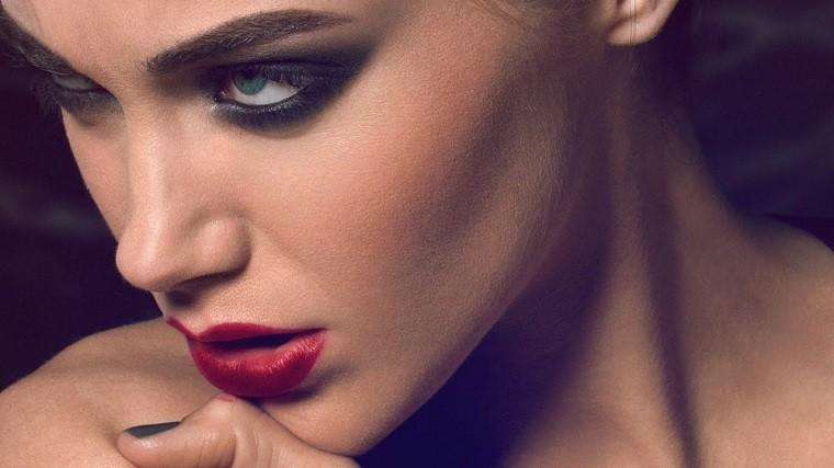 maquillaje-de-fiesta-smokey-eye-modelo