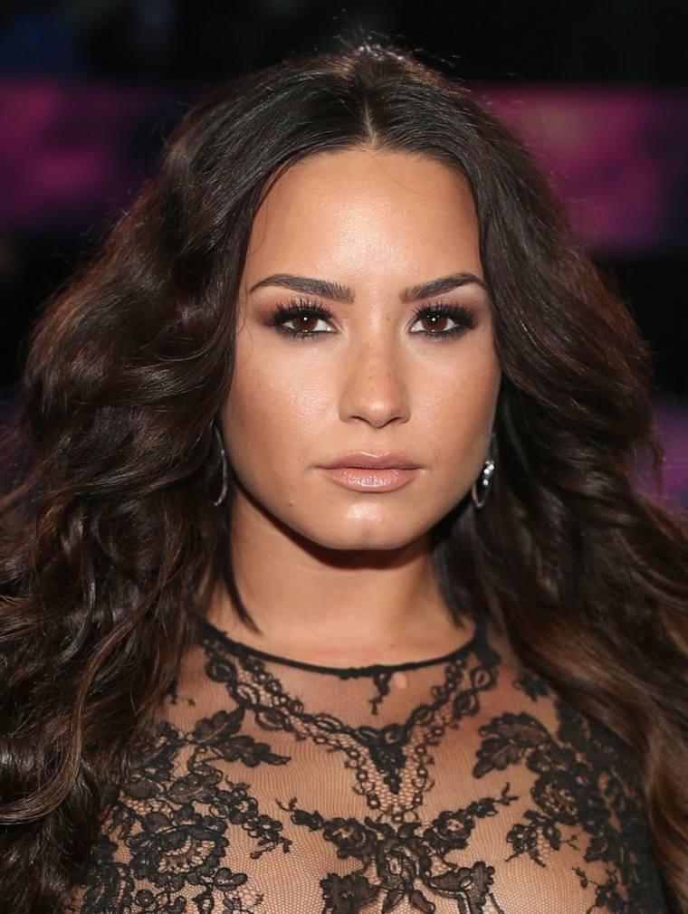 maquillaje-de-ojos-Demi-Lovato