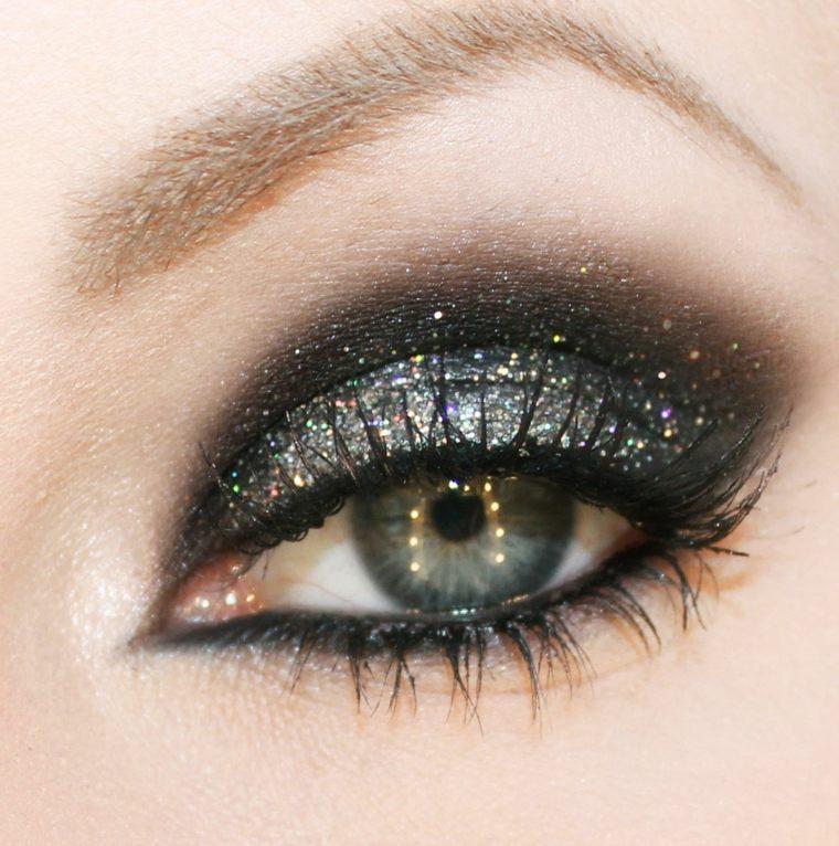 maquillaje-de-ojos-ahumados-opciones-brillo