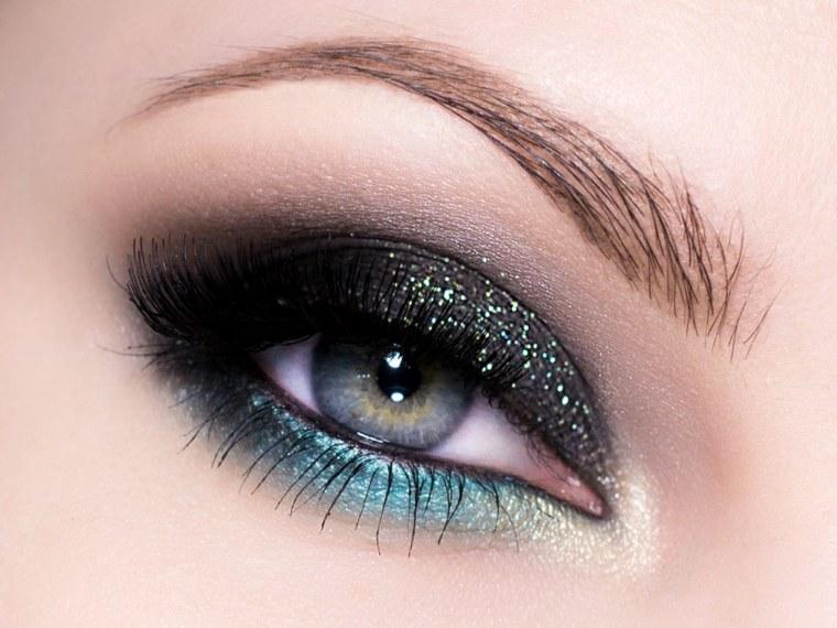 maquillaje-de-ojos-ahumados-opciones-combinar-colores