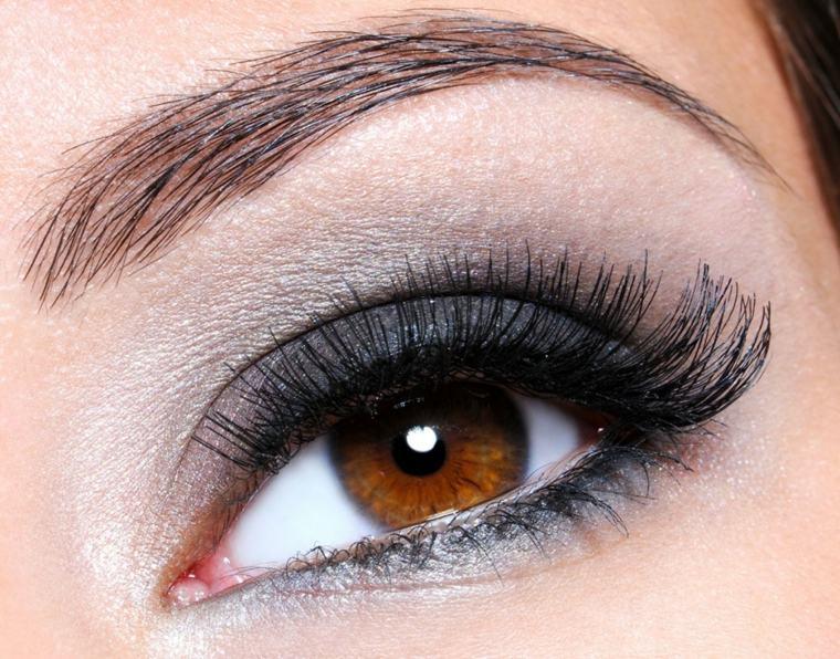 maquillaje-de-ojos-ahumados-opciones-gris-negro