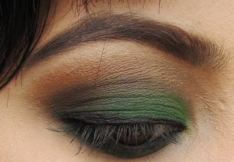 maquillaje de ojos-castanos-opciones-versde-oscuro