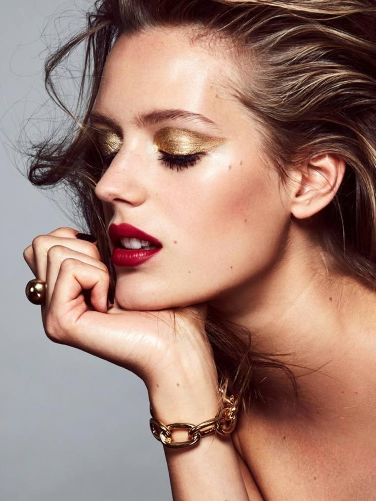 maquillaje-de-ojos-dorado-belleza