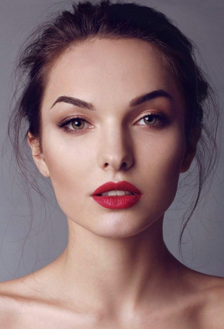 maquillaje-natural-labios-rojos