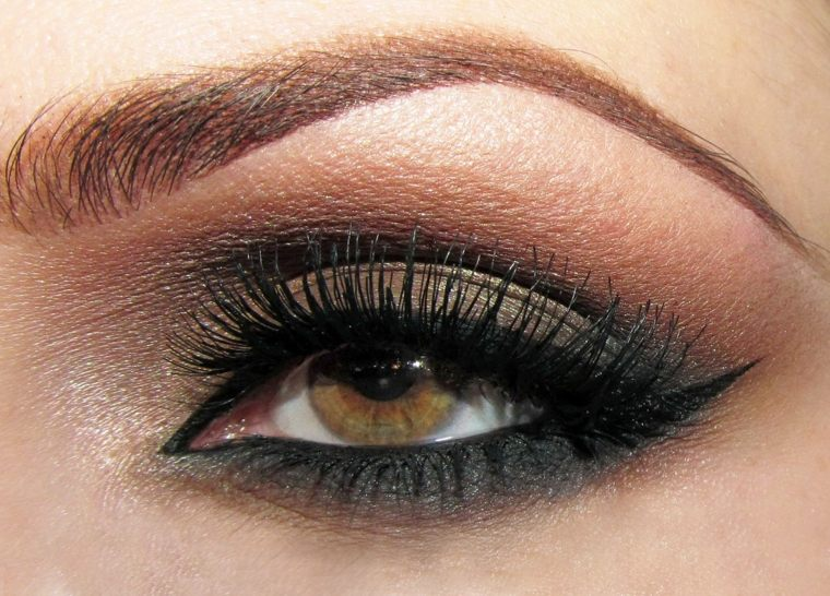 maquillaje-ojos-marrones-claros