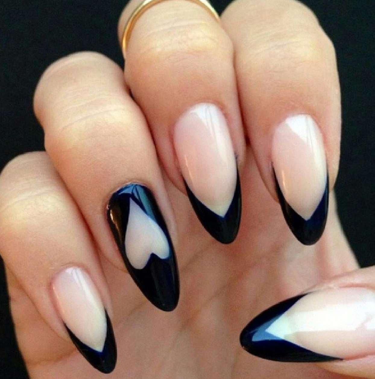 modelos de uñas corazon-negro