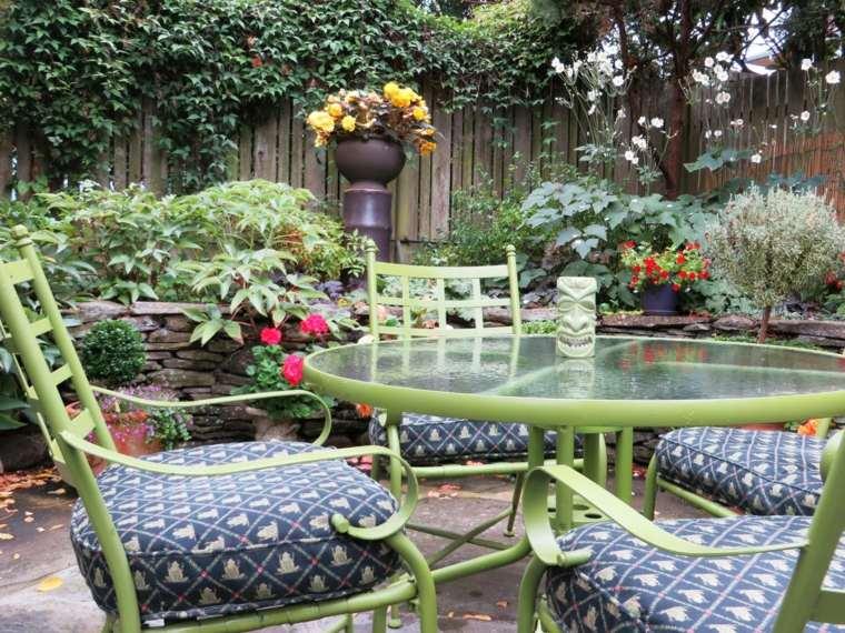 Dise o de jardines r sticos c mo crear una relaci n for Astillas de madera para jardin