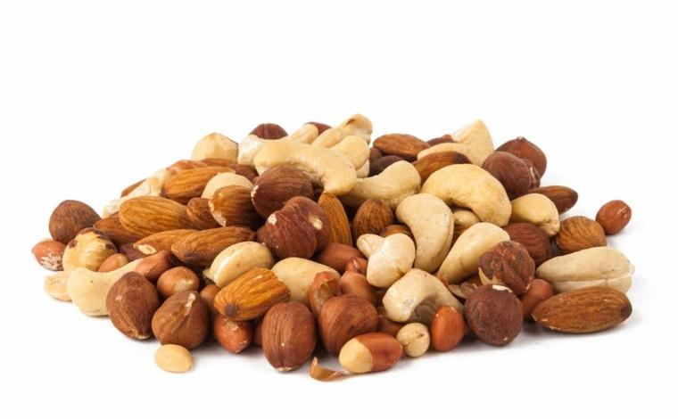 nueces-y-cacahuetes