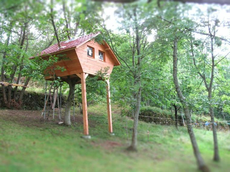 construir cabañas en los árboles