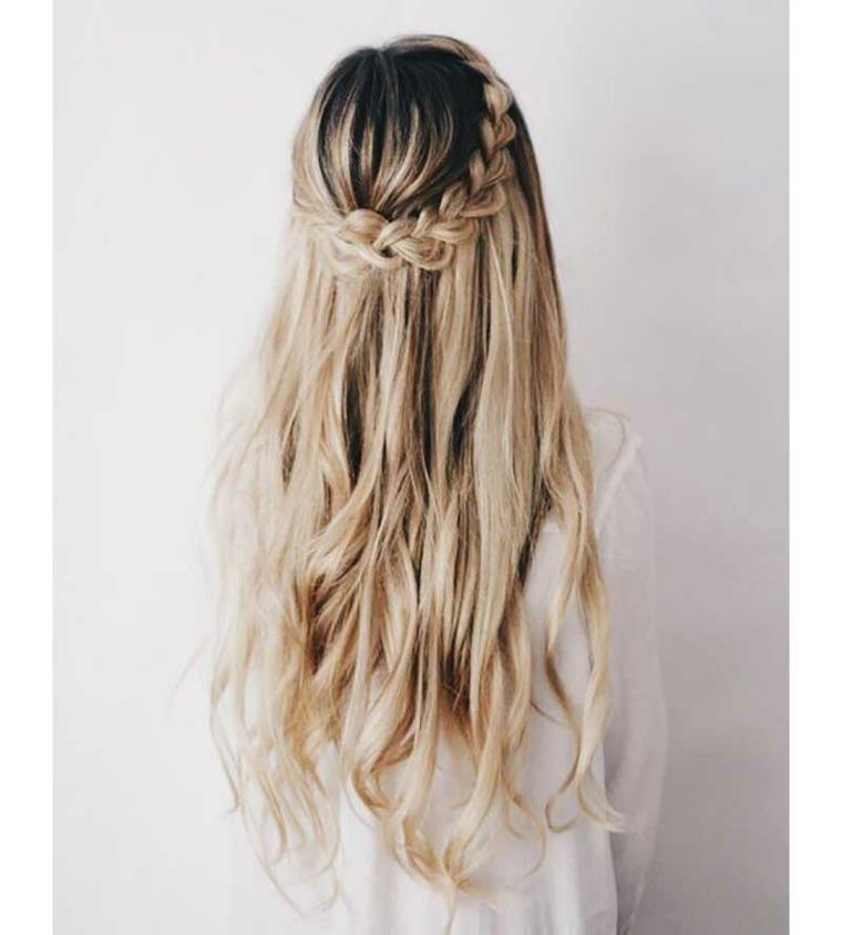 peinados faciles para media melena ondulada