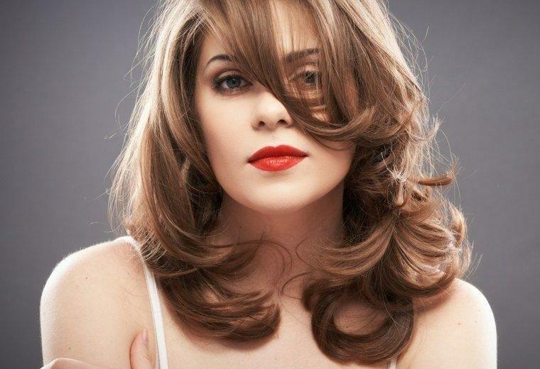 peinados-media-melena-mujeres-modernas-resized