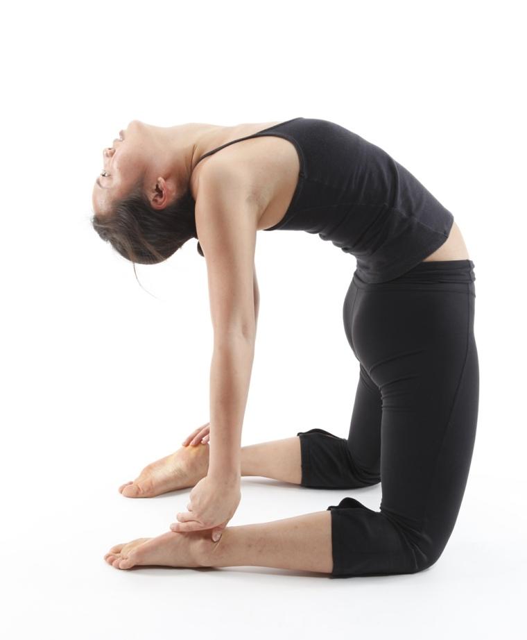 poses de yoga para uno-ustrasana