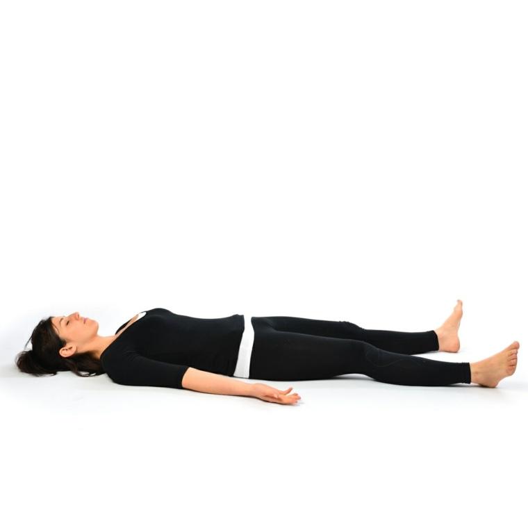 posturas de yoga-posicion-cadaver