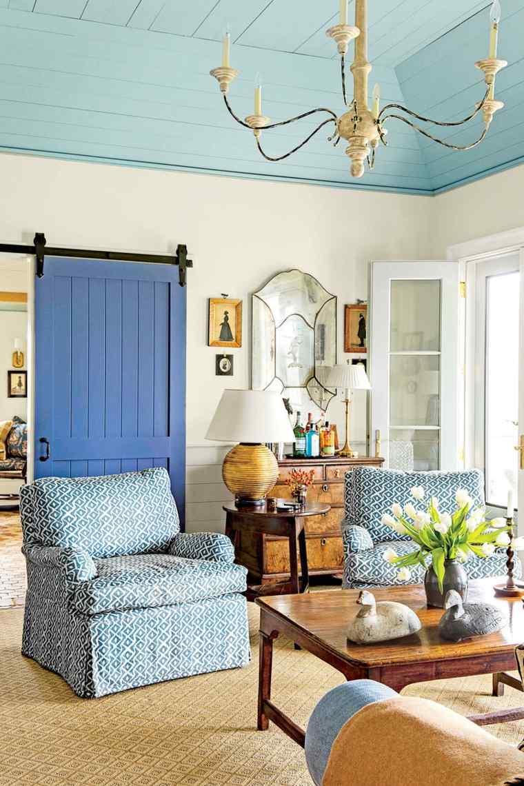 puerta de granero azul