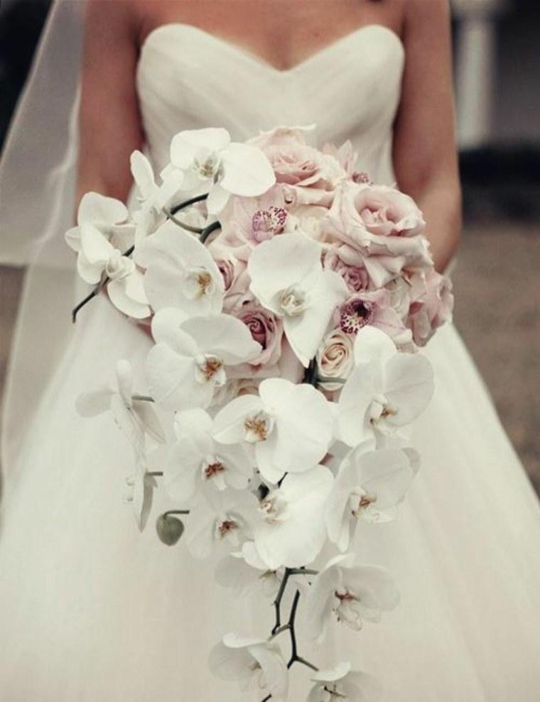 ramos-de-novia-originales-orquideas-blancas