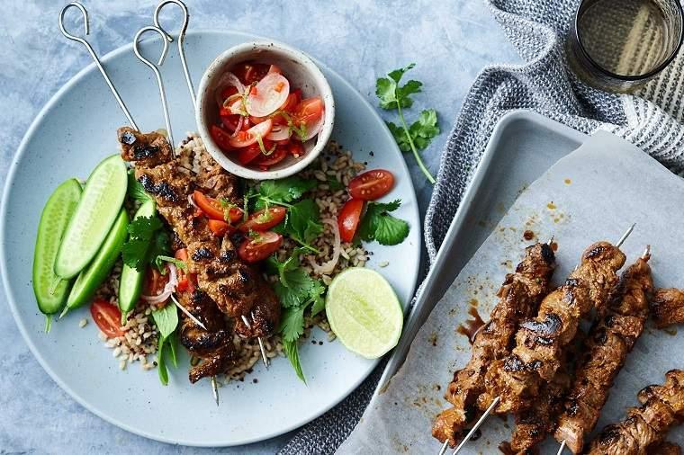 recetas-saludables-opciones-carne-ensalada-quinoa