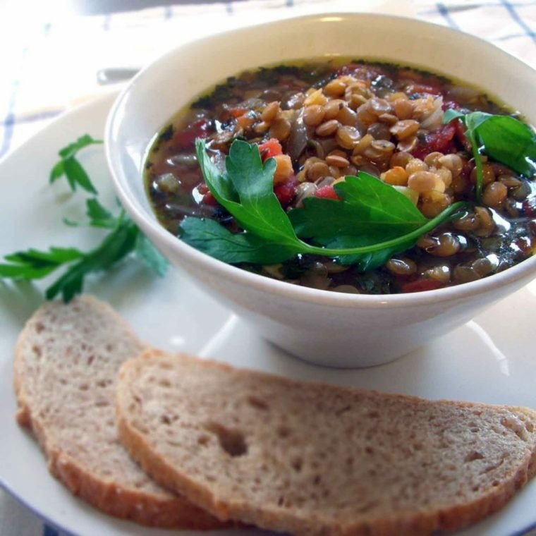 sopa de lentejas-preparada-lista